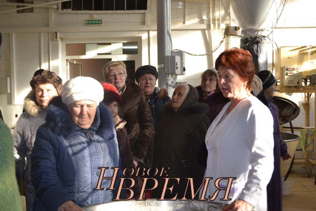 На Кондровском хлебокомбинате медынцы познакомились с технологией производства хлеба и кондитерских изделий и получили сладкие подарки.
